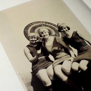 《The Three Graces : Snapshots of 20th-century women》